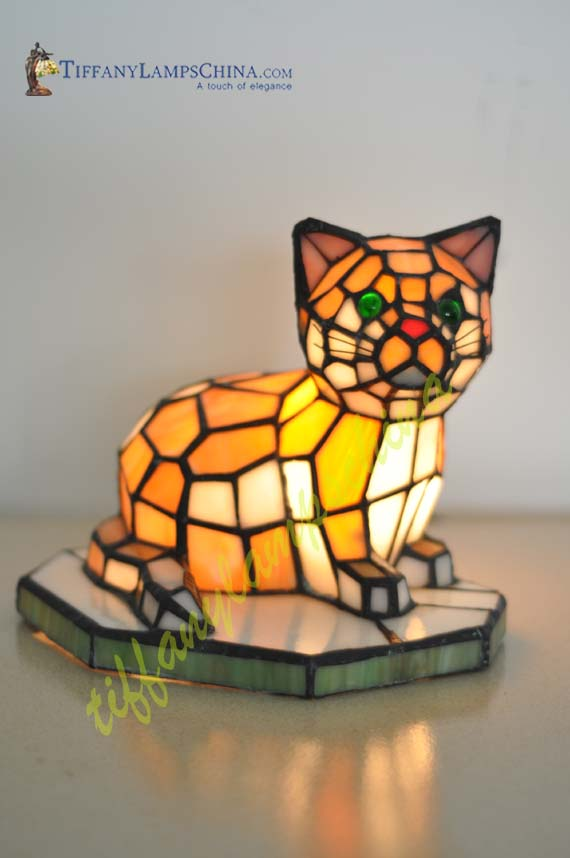cat style tiffany lamp acl010024 tiffany accent lamps manufacturer. Black Bedroom Furniture Sets. Home Design Ideas